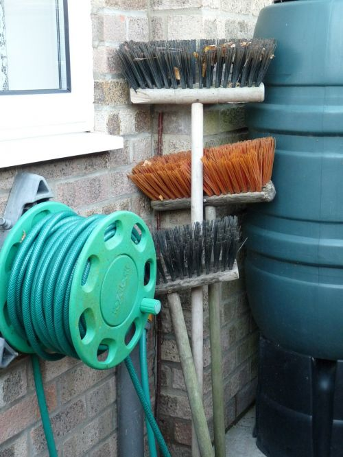 brooms brushes hose pipe