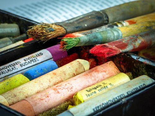 brush chalk pastel
