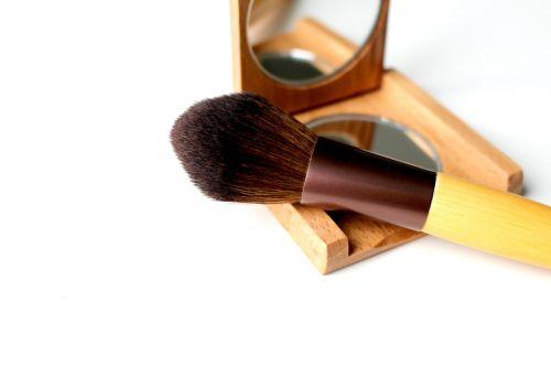 brush cosmetics makeup