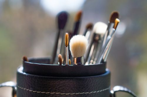 brush makeup creativity