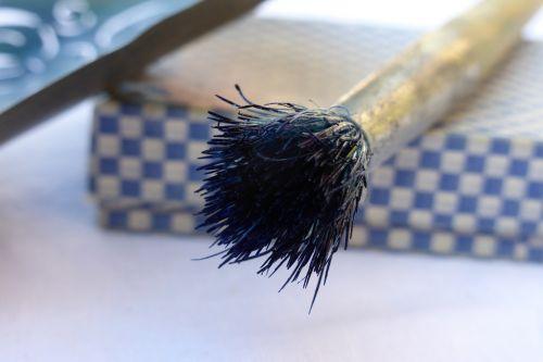 brush blue fibers