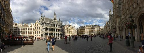 brussels people square