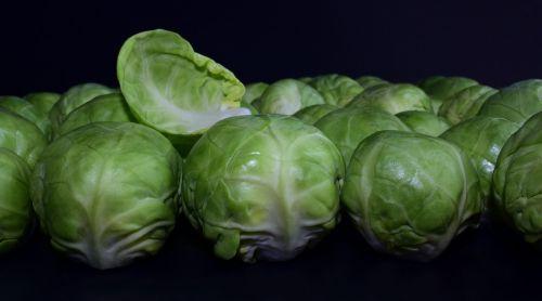 Briuselio kopūstai,žalias,apie,žaliavinis,žiemos daržovės,Kohl,plokštė,valgyti,maistas,vitaminai,išvalytas,sveikas,reklama,daržovės,į sveikatą