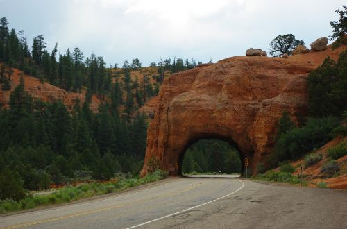 bryce canyon red canyon tunnel rock