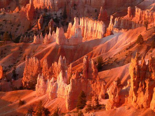 bryce canyon national park sunrise at bryce canyon