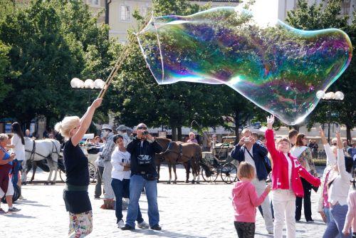 bubble soap artist