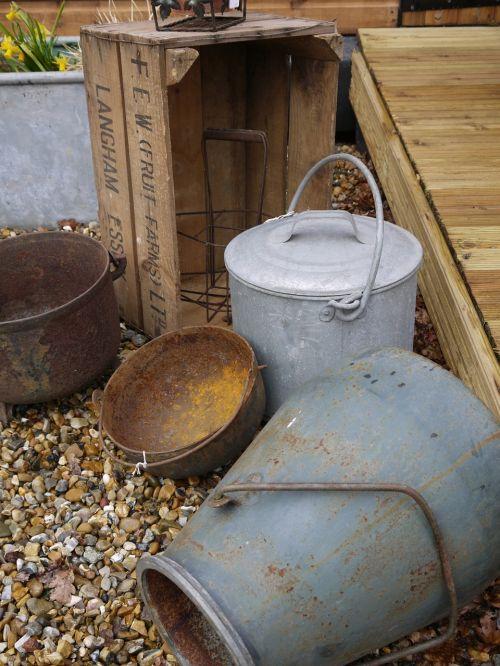 bucket zinc container