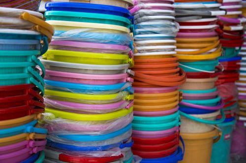 kaušai,plastmasinis,spalvinga