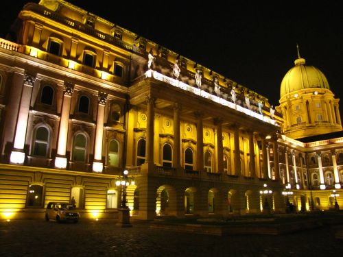buda building in the evening