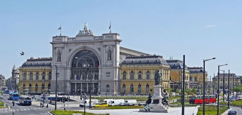 budapest eastern railway station main portal