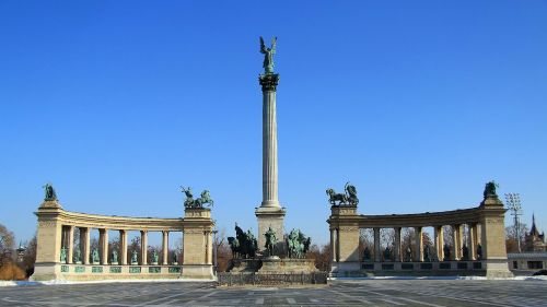 budapest heroes ' square sunlight