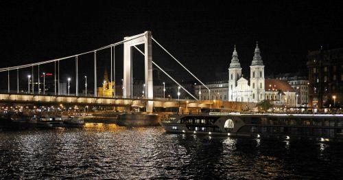 budapest at night elisabeth bridge suspension bridge