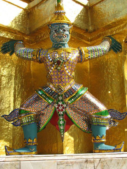 buddah temple statue
