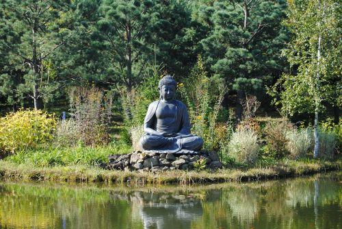 buddha deity himalayan park