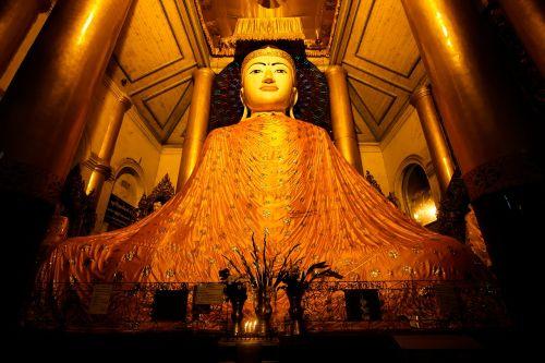 buddha shwedagon statue