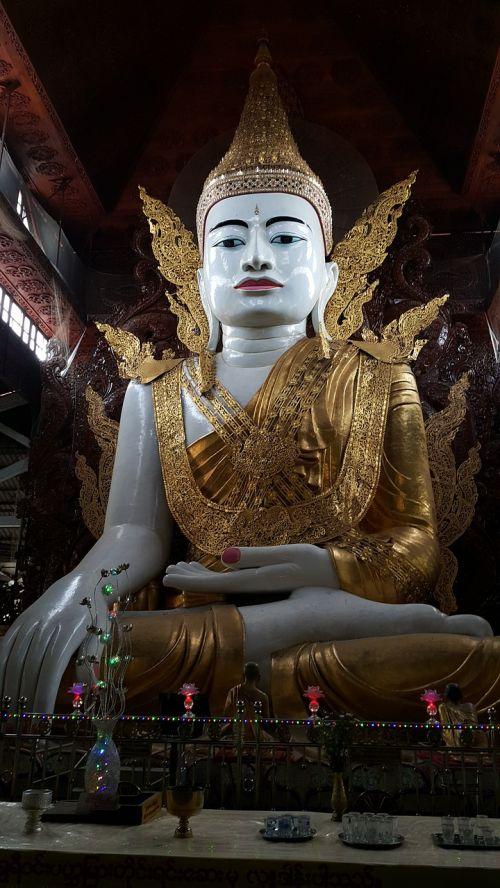 buddha myanmar temple