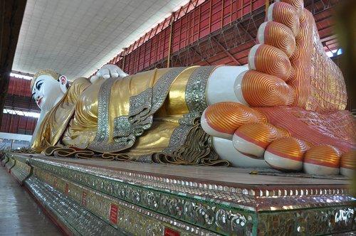 buddha  lying  rangoon