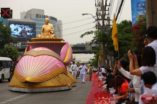 buddha monk gold