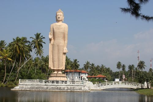 buddha sri lanka monument