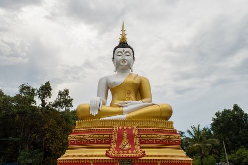 buddha statue soul religion