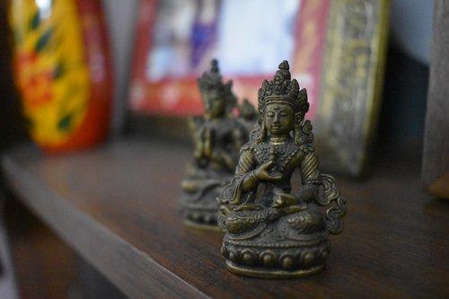 buddhism  statue  deity