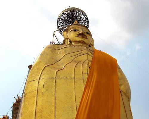buddhist temples bangkok travel