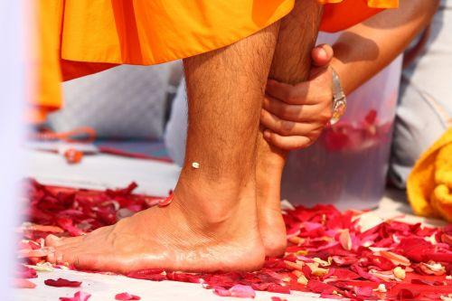 buddhists washing feet