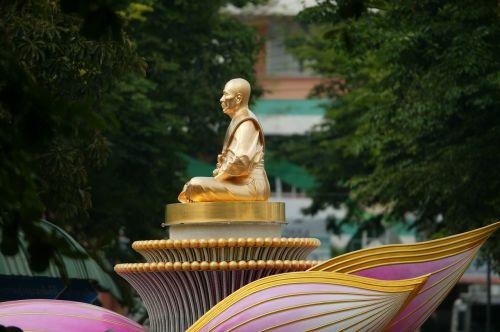 budha monk gold