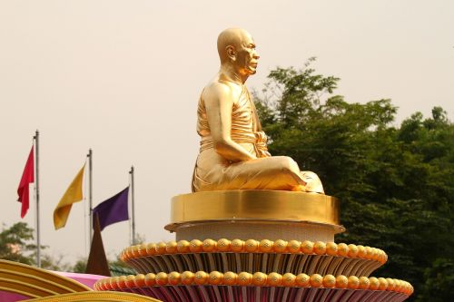 budha monk gold