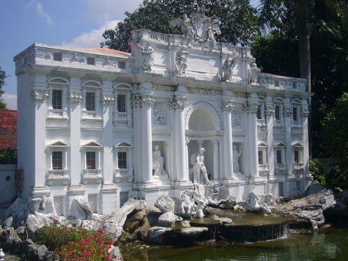 pastatas,miniatiūrinė,kopija,lankytinos vietos,Tailandas,verta aplankyti,miniatiūros rodinys,architektūra