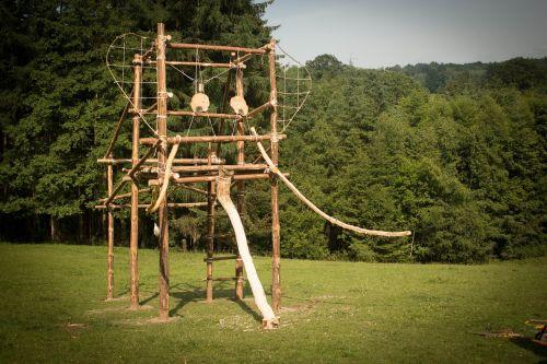 building wood scout