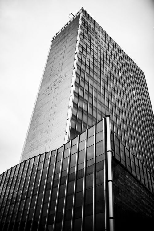 building black and white architecture