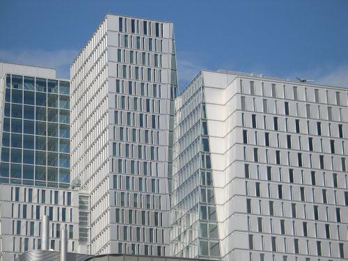 pastatas,priekinis langas,fasadas,biurai,dangoraižis,langas,Hauswand,namai,aukštas,balta,architektūra,Kahl,nevaisinga,šaltas