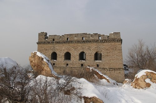 building  winter  ancient