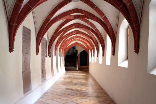 building cloister cross vault