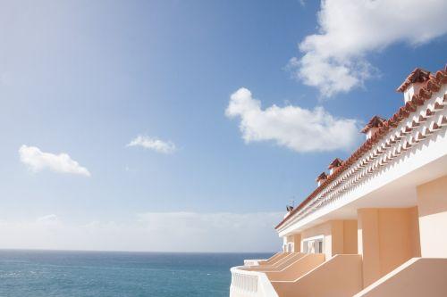 building balconies hotel