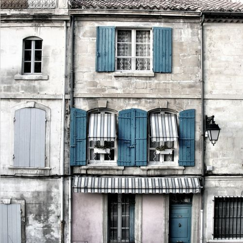 building home provence