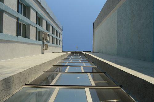 building high sky