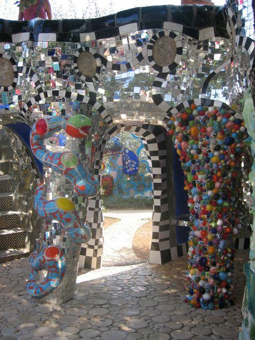 building art modern art