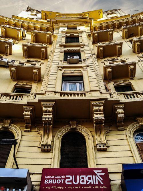 pastatai,miestas,kultūra,šešėlis,keliauti,keliauti,langai