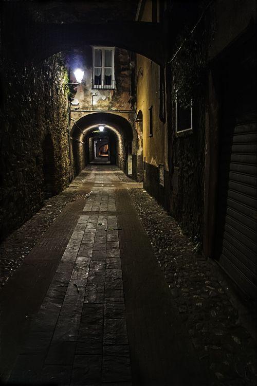 Dark In The Alley