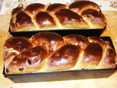 bun chałka bread