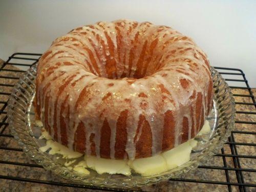 cake orange cake iced