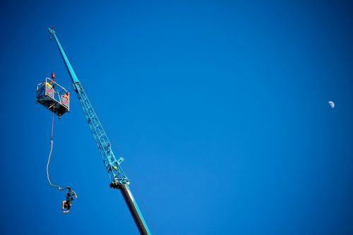 bungee jumping extreme sport go to