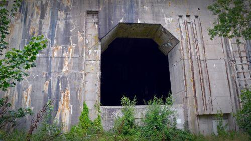 bunker decay goal
