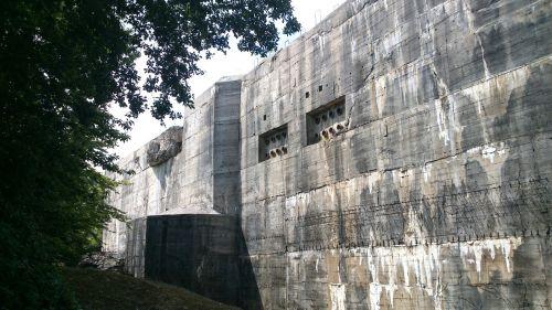 bunker defensive work protection against shelling