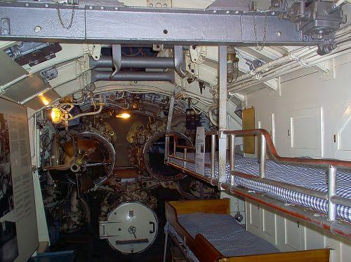 bunks beds torpedo tubes