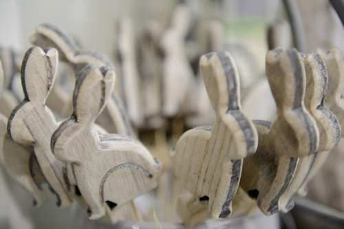 bunnies  easter  wood