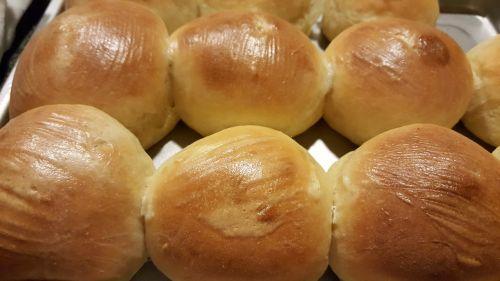 buns baking rosy
