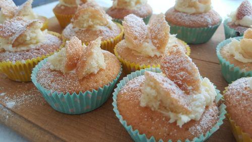 buns cakes fairy cakes